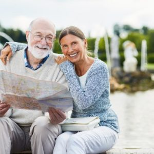 seniors-with-map_1098-14422
